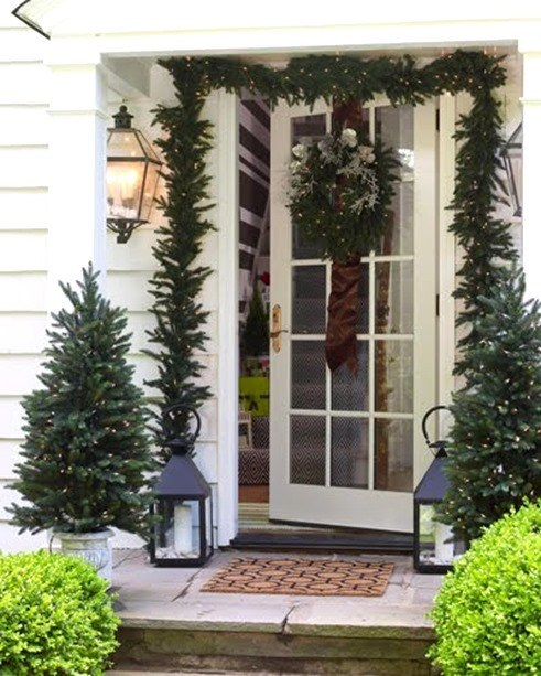 4_-christmas-decorating-tips-festive-decor-2-elle-decor_thumb.jpg
