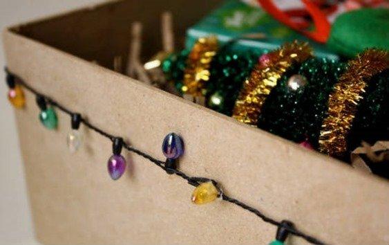 Caja de adornos de navidad
