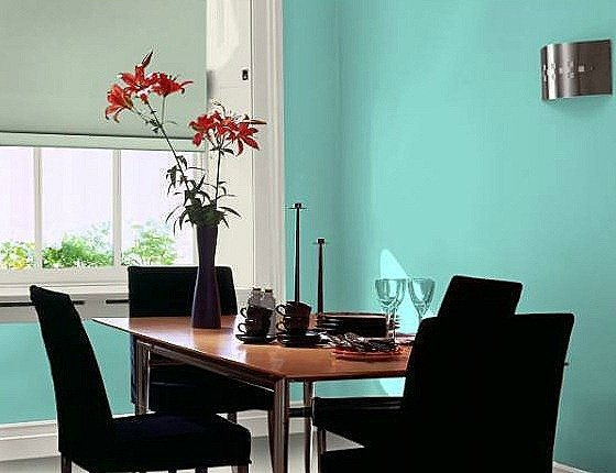 Muebles en negro color de las paredes blogdecoraciones - Paredes grises y muebles marrones ...