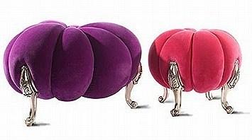 Inventive-Pastoral-Pumpkin-Stools
