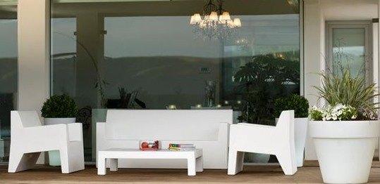 Sofa-resina-poletileno