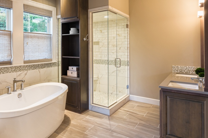 Ba os elegantes y sencillos 2017 blogdecoraciones - Designer baths and kitchens germantown tn ...