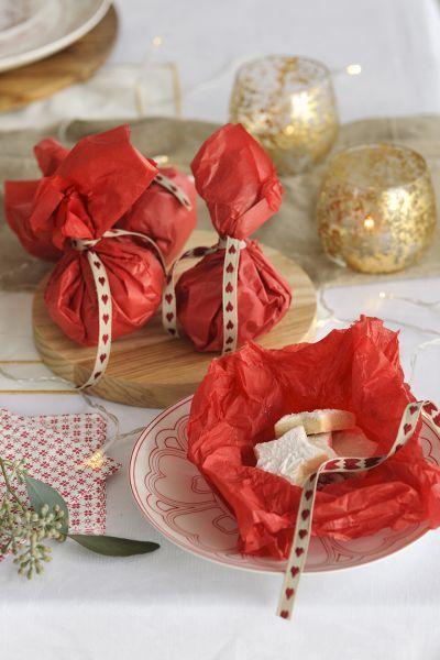 buenas-ideas-mesas-de-navidad-dulce-regalo-invitados-elmueble
