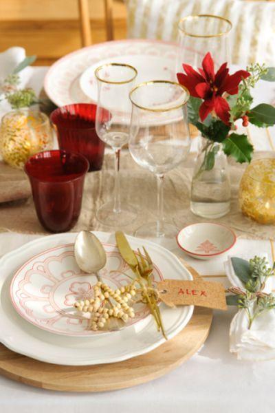 buenas-ideas-mesas-de-navidad-servilletas-ramita-tomillo-elmueble