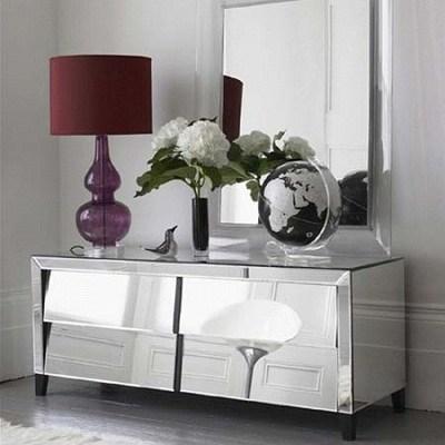Muebles de espejo para decorar con estilo