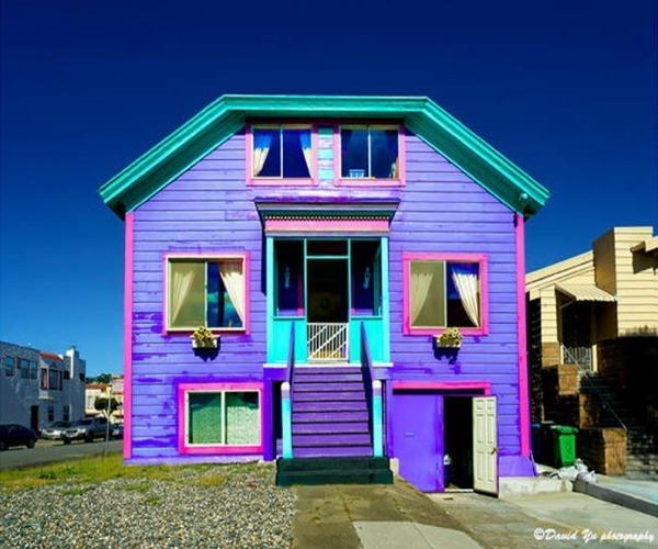 7 casas de colores que te sorprender n blogdecoraciones for Colores para pintar fachadas