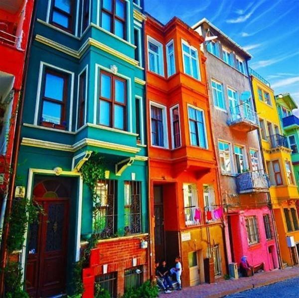 7 Casas de colores que te sorprenderán - BlogDecoraciones