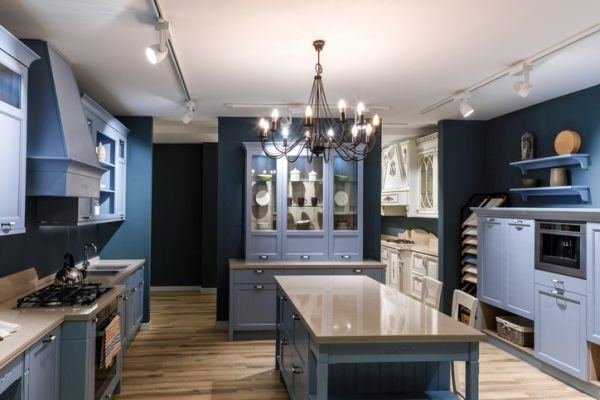 cocinas-azules-cyan-marron-madera-istock4