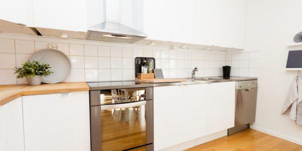 Cocinas pequenas blancas madera metal