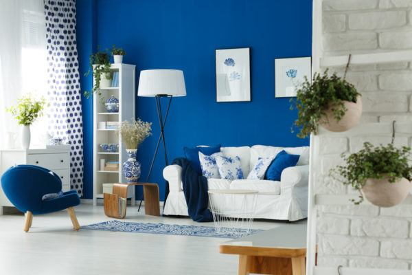 Colores que combinan con azul blanco