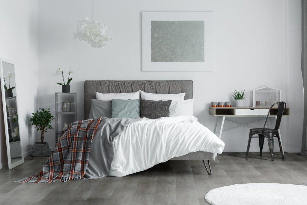 Los mejores colores que combinan con gris para decorar una for Decoracion blanco y gris
