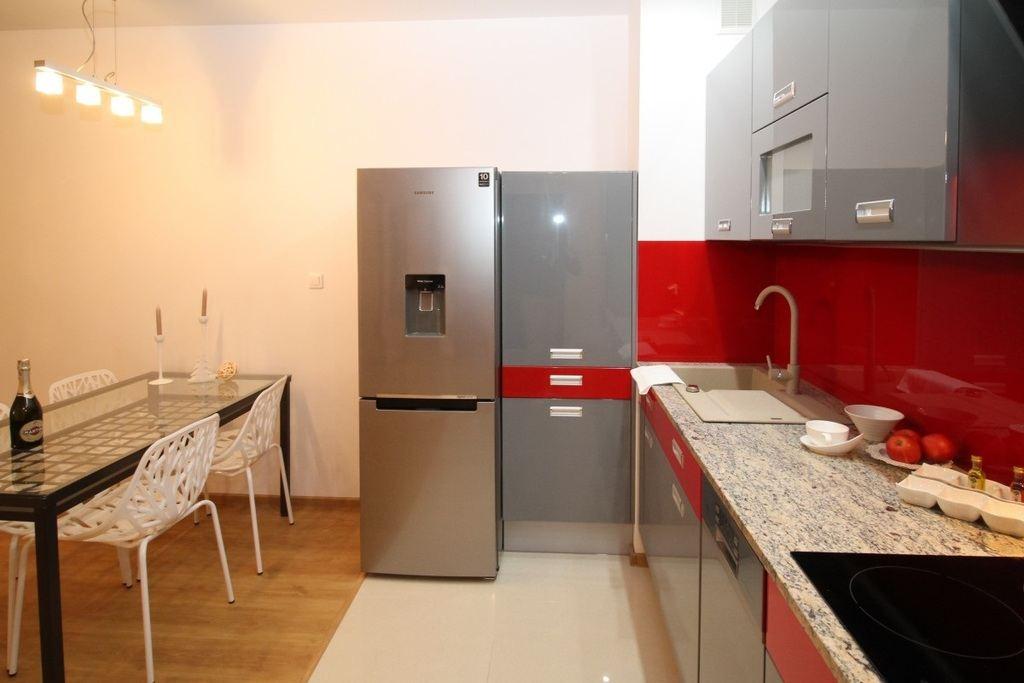 los mejores colores que combinan con gris para decorar una On de que color con gris en una cocina