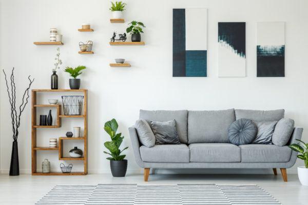 Como decorar la pared del sofa  laminas