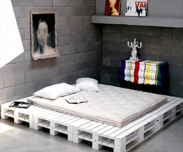 las mesas de palets no tiene que restringirse solamente a estos espacios puedes colocarles en el dormitorio en el jardn en la habitacin de nios o - Decoracion Palets