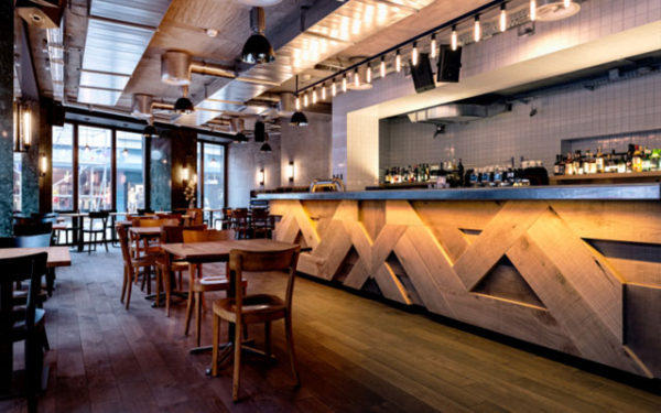 Decoraci n de bares c mo decorar un bar blogdecoraciones for Adornos para bares rusticos