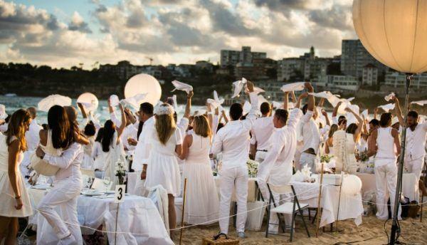 organizar tus propias fiestas ibicencas en casa con el mismo estilo que en la isla balear te animas a conocer las mejores ideas de fiestas ibicencas - Decoracion Fiesta Ibicenca
