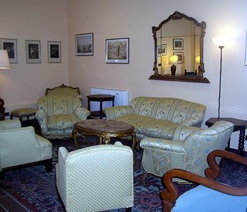 image_hall_lounge_1