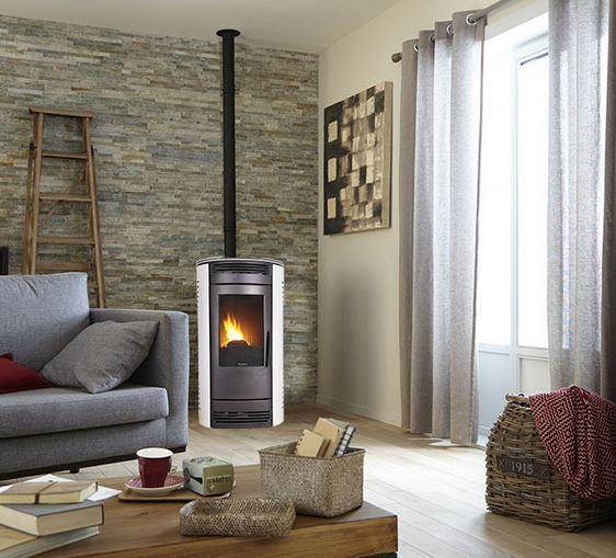 Las mejores estufas y chimeneas blogdecoraciones - Estufa de pellets en un piso ...