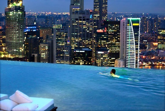 Pulsa para  ver más -marina-bay-sands-skypark-pool